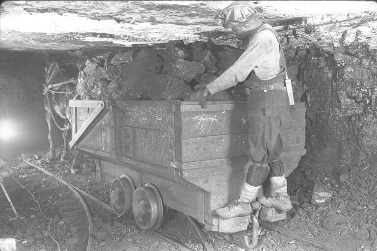 The atlas coal mine is a former coal mine in alberta, canada