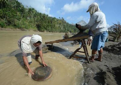 small scale mining in the philippines a Small stories 12 stories about small-scale mining small-scale mining communities are highly vulnerable to communicable indonesia and the philippines.