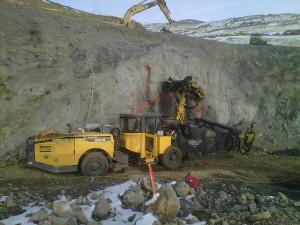 Veris Gold_Jerritt Canyon_Starvation Canyon bolting portal_2012