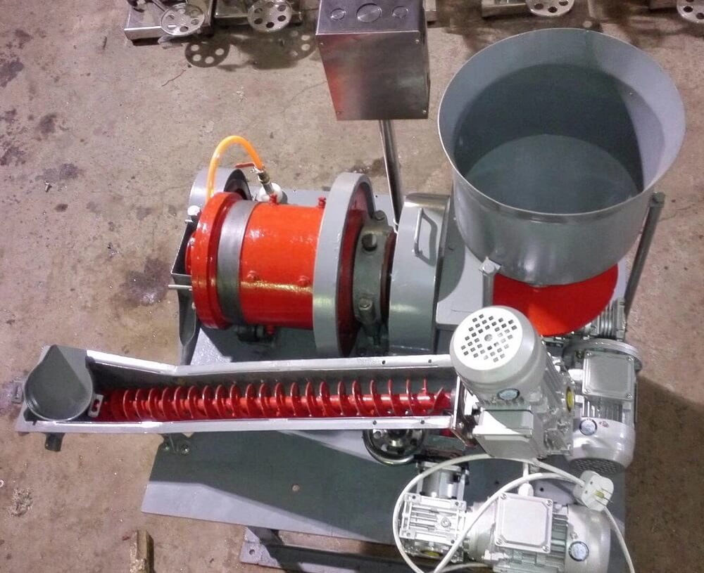small continuous pilot plant laboratory regrind mill (1)