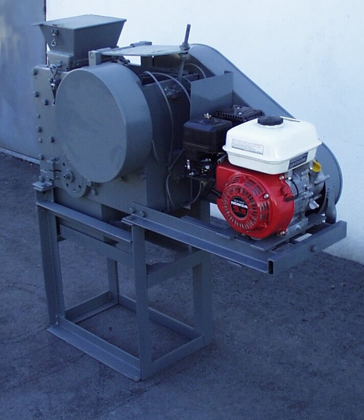 portable rock crusher with gasoline motor (5)