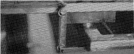 mozley-super-panning-table-holding-springs
