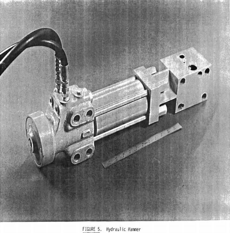 claw-hammer hydraulic hammer